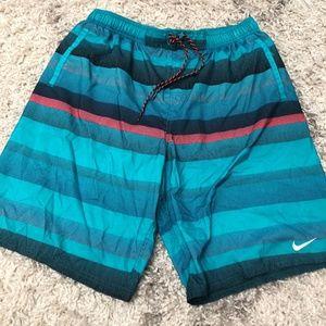 Men's XL Nike Striped Shorts